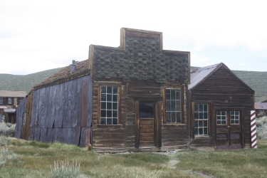 The Sam Leon Bar (left) and the barber shop are two of Bodie's survivors.