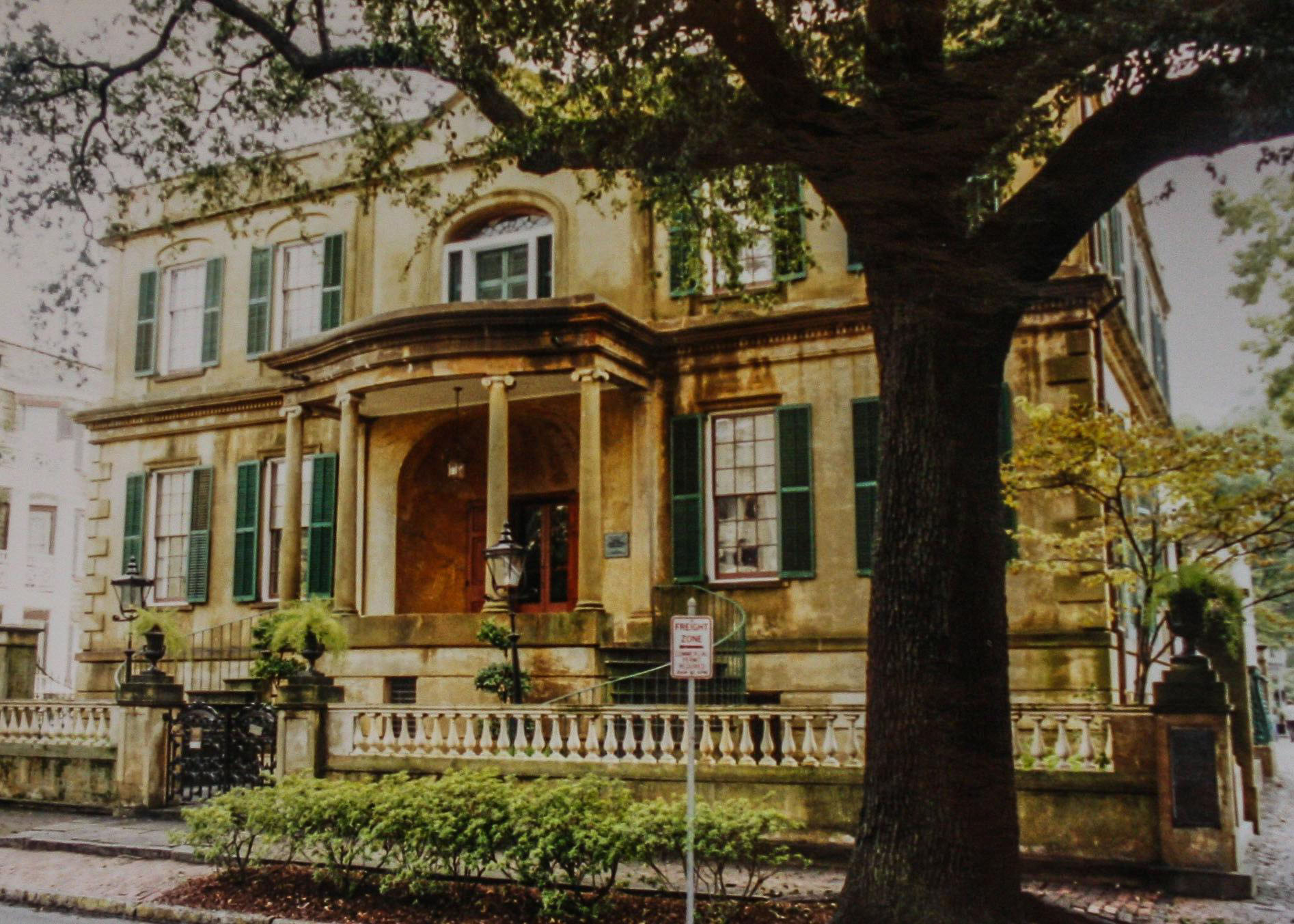 Top 5 u s historic districts stephen travels for Historic houses in savannah ga